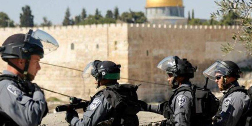 Bir Filistinlinin Kudüs'e girişi yasaklandı