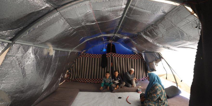 Suriye'de kamplardaki siviller açlık korkusu yaşıyor