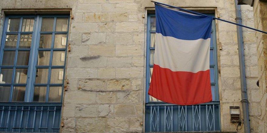 Fransa barışçıl protestoculara baskı uyguladı