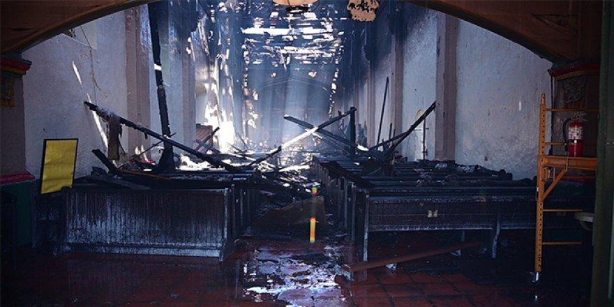 ABD'de 249 yıllık tarihi kilisede yangın çıktı