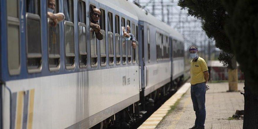 """Türkiye'ye getiren yılın ilk """"arabalı tren""""i Kapıkule'den giriş yaptı"""