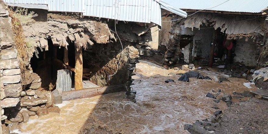 Kars ve Ağrı'da sel sebebiyle 26 ev hasar gördü
