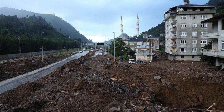 Rize'de iki kişi sel felaketinde yaşamını yitirdi