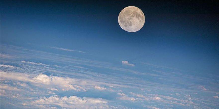 Ay 85 milyon yıl daha gençmiş