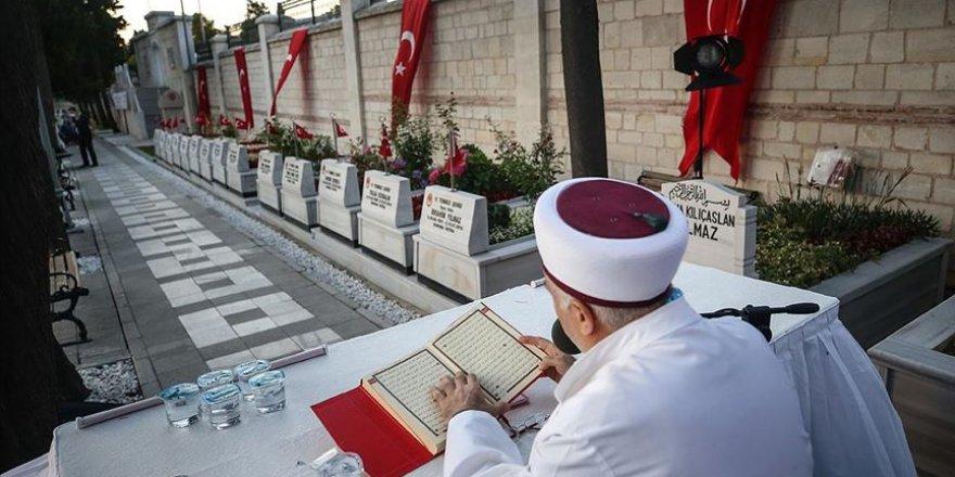251 şehit için '15 Temmuz Şehitleri Hatim Programı' düzenlendi