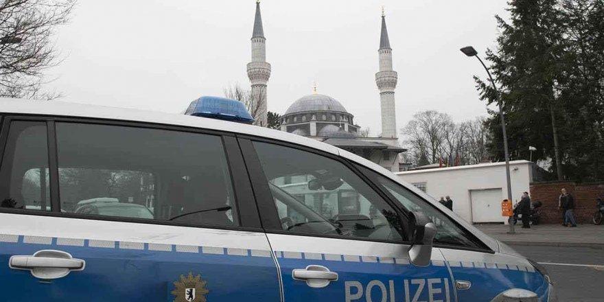 Almanya'da camiye İslam karşıtı mektup gönderildi