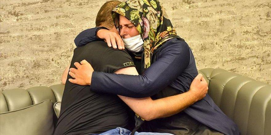 Bir Diyarbakır annesi daha evladına kavuştu