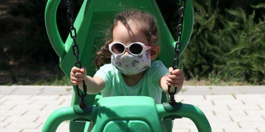 Romatizmal hastalığı olan çocuklarda Kovid-19 fazladan risk artışına sebep olmuyor