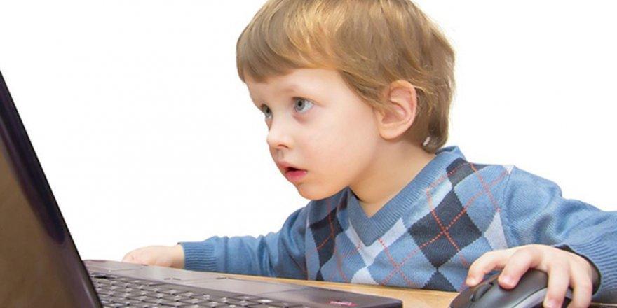 Sosyal medya hesabı çocuklara kaç yaşında açılmalı?