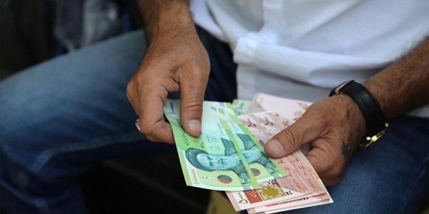 İran'da ilk kez dolar 25 bin tümeni aşarak rekor kırdı