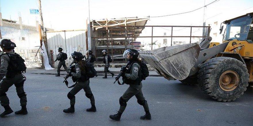 İşgalci İsrail 2020'de Filistinlilere ait 500'den fazla yapıyı yıktı