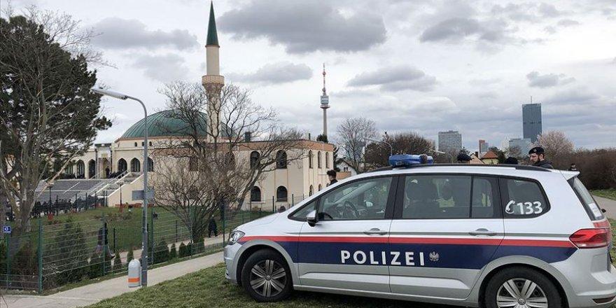 Avusturya Müslümanlara ait kurumları 'siyasal İslam' bahanesiyle fişlemeye hazırlanıyor