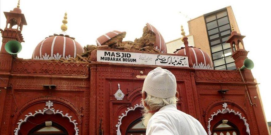 Yeni Delhi'deki tarihi cami Muson yağmurları nedeniyle zarar gördü