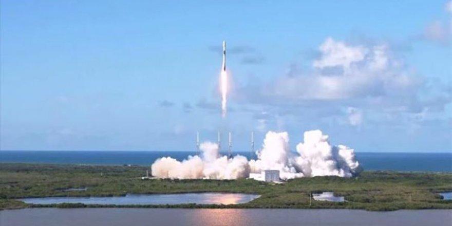 SpaceX, Güney Kore'ye ait askeri iletişim uydusunu uzaya yolladı