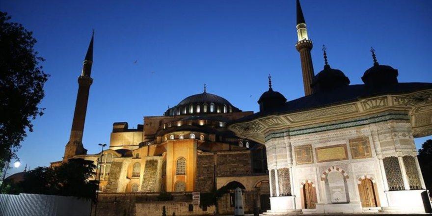 Ayasofya-i Kebir Camii'nin açılışı için hazırlıklar yapılıyor