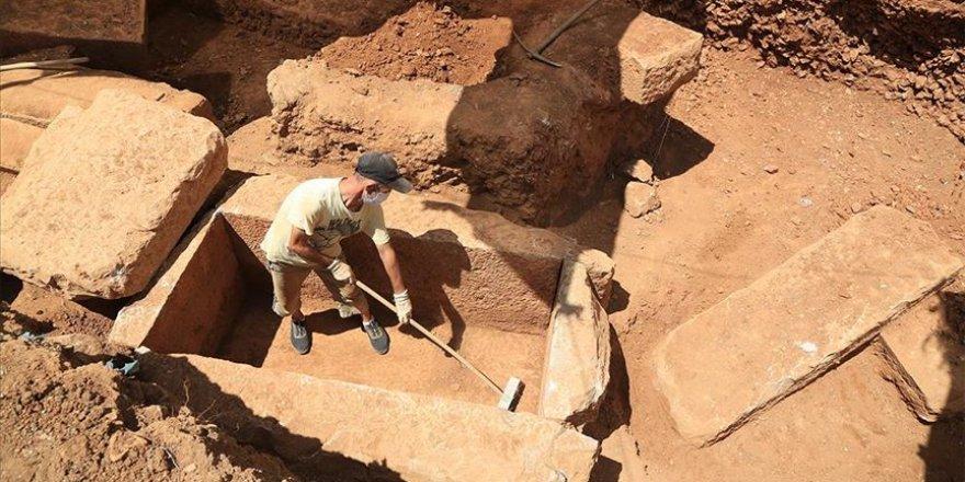 Muğla' da 2 bin 400 yıllık mezar kalıntıları bulundu