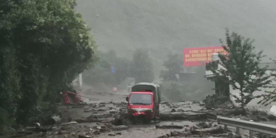Çin'de toprak kaymaları gerçekleşti