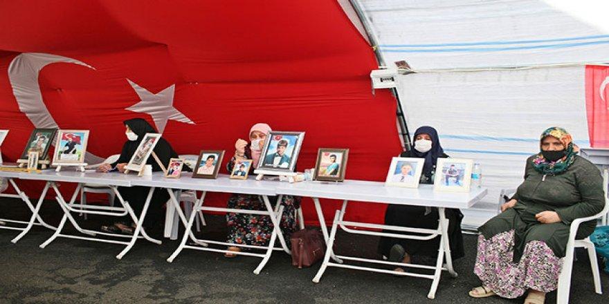 HDP önündeki ailelerin evlat nöbeti 382'nci günde