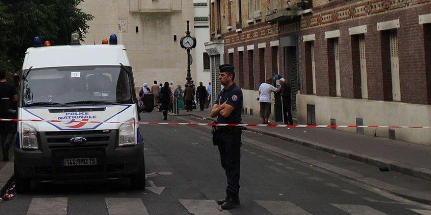 Fransa'da 30 bin 312 kişi Kovid-19'dan hayatını kaybetti