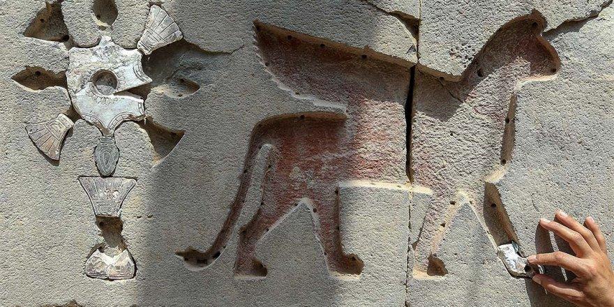 2 bin 700 yıllık tapınağın taşları yerleştiriliyor