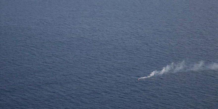 İtalya açıklarında sığınmacıları taşıyan bot alev aldı