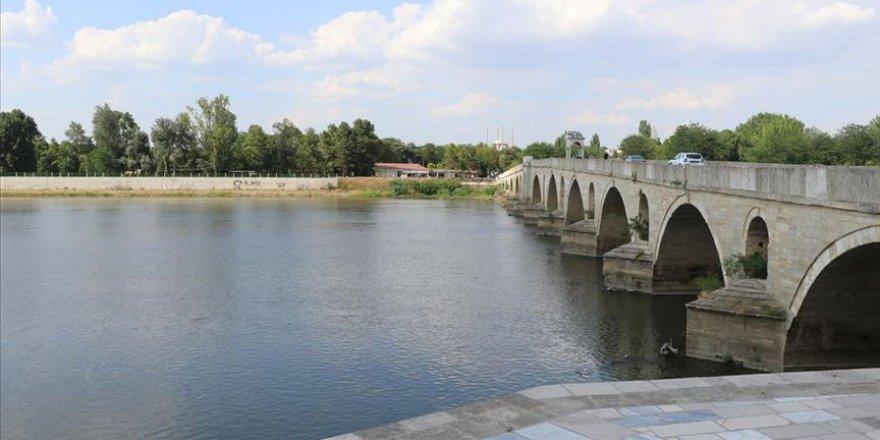 Türkiye tarafından Meriç Nehri'nden tedbiren alınan su numunesi temiz çıktı
