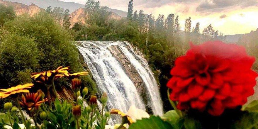 Tortum Şelalesi Kurban Bayramı'nda doğal güzellikleriyle misafirlerini ağırlayacak