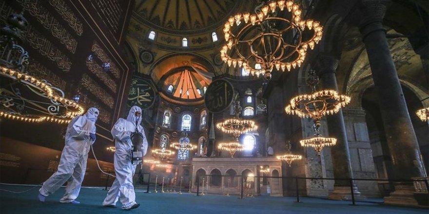 86 yıl sonra Ayasofya-i Kebir Cami-i Şerifi ilk bayramına hazırlanıyor