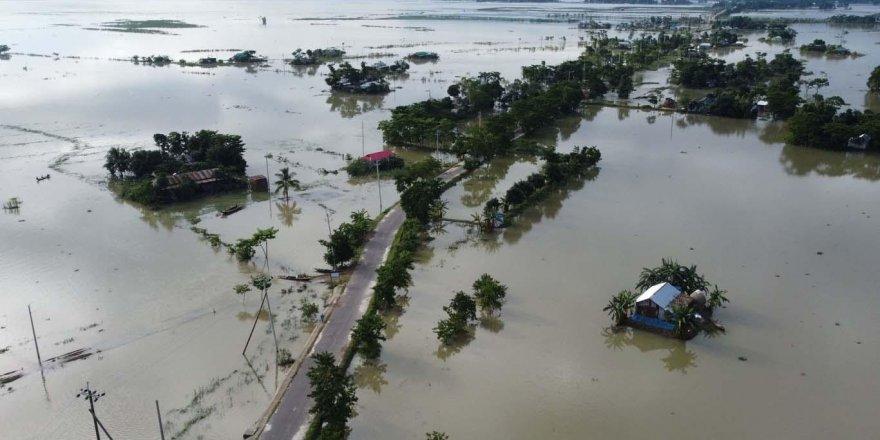 Bangladeş bir aydan fazladır sular altında