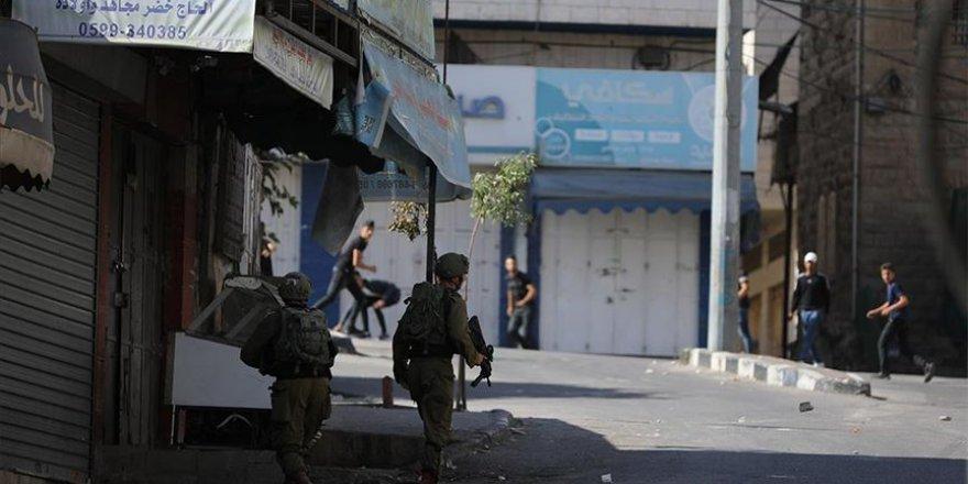 Batı Şeria'da 7 Filistinli İsrail askerlerince yaralandı