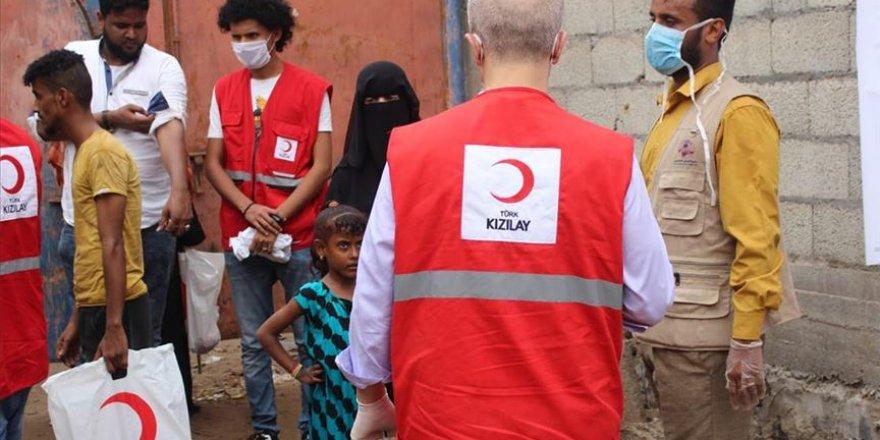 Türk Kızılay Yemen'de kurban eti dağıtıyor