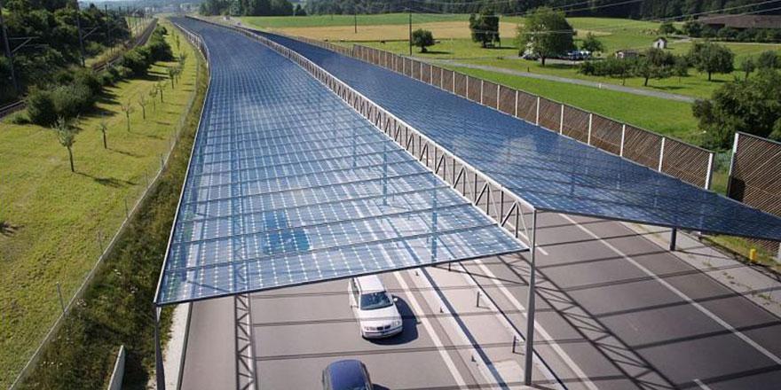 Avrupa'da otobanlara güneş panelleri kurulacak