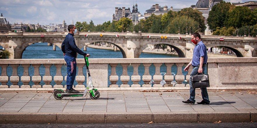 10 Ağustos'tan itibaren Paris'te bazı bölgelerde maske takmak zorunlu olacak