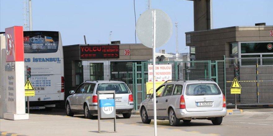 Avrupa'ya açılan sınır kapılarındaki hareketlik Kovid-19'dan etkilendi