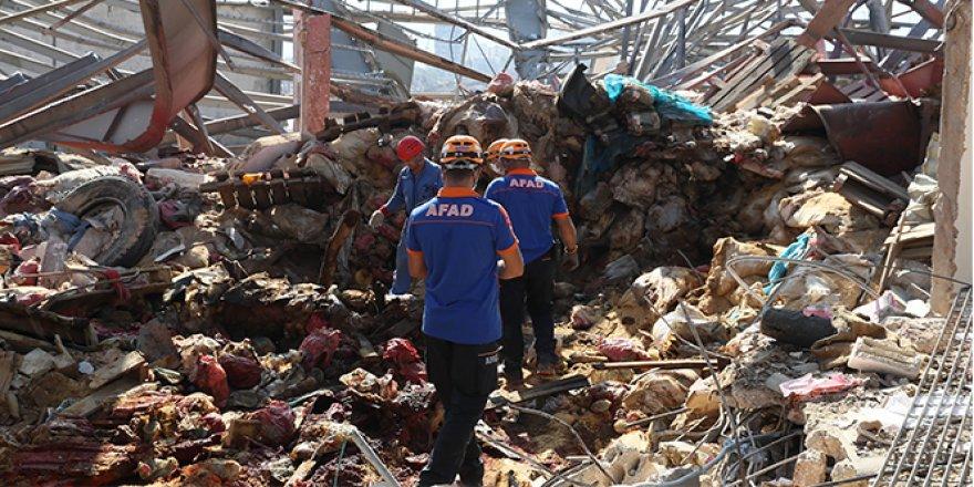 Beyrut Limanı'nda Türk ekiplerin arama kurtarma faaliyetleri sürüyor