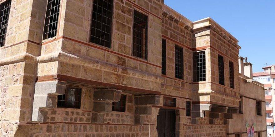Tarihi Niğde evleri restore edilerek turizme kazandırılıyor