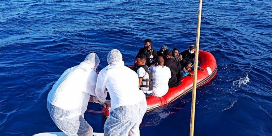 Muğla'da Türk kara sularına geri itilen sığınmacılar kurtarıldı