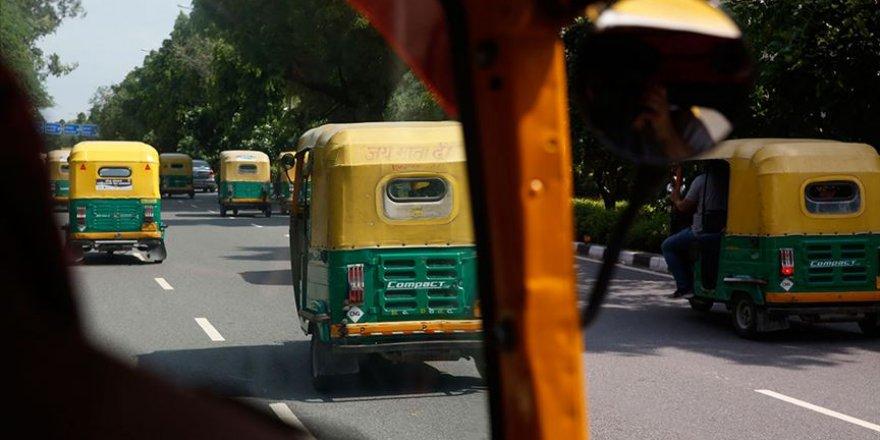 Hindistan'da Müslüman şoföre Modi sloganı atmayı reddettiği için dayak