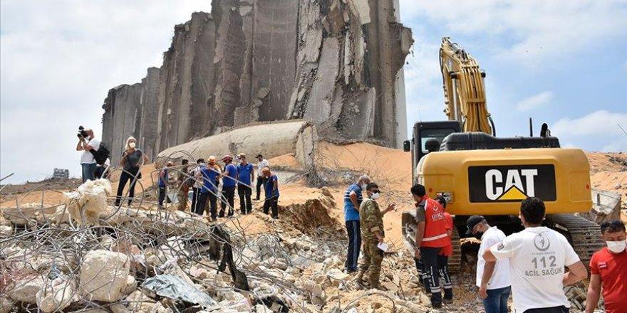 Beyrut Limanı'nına giden Türk kurtarma ekibi faaliyetlerini sürdürüyor