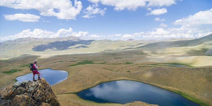 Katır Gölleri eşsiz güzelliğiyle göz kamaştırıyor