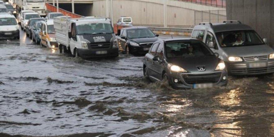 Meteoroloji kuvvetli yağış uyarısı yaptı