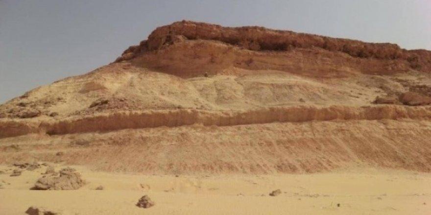 Suudi Arabistan'ın kuzeyinde 37 milyon yaşında dağların olduğu tespit edildi