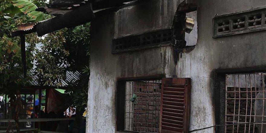 Endonezya 382 aile yangın sebebiyle evsiz kaldı