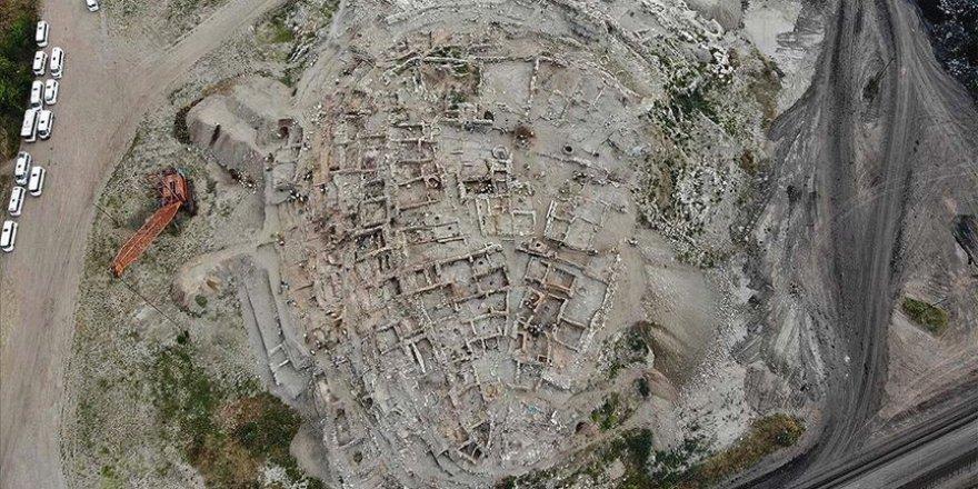 Yapılan kazılar Seyitömer Höyüğü'nün tarihine ışık tutuyor