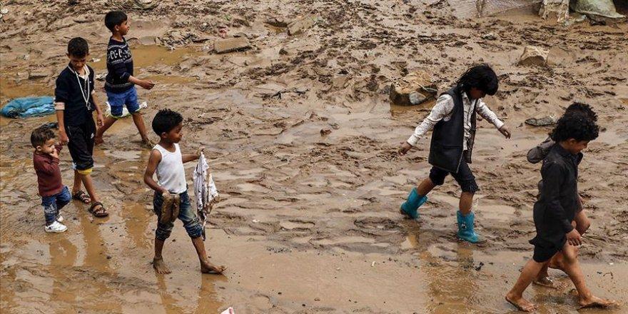 Yemen'de yaşanılan sel felaketinde binlerce aile zarar gördü