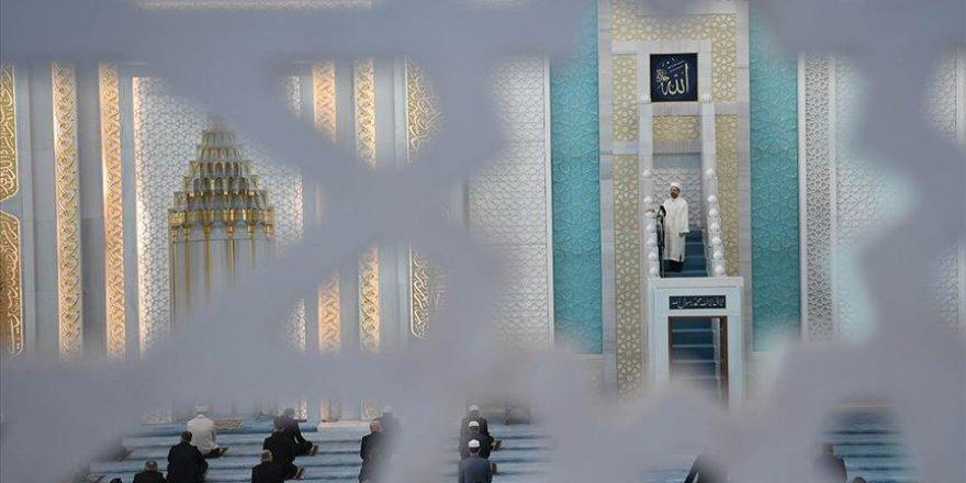 Bu haftaki cuma hutbesinde cami ve ilmin önemine vurgu yapıldı