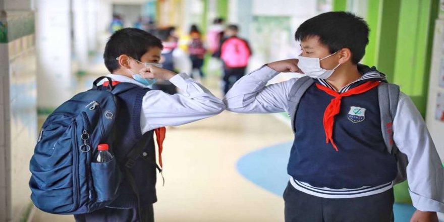 Ailelere, okula gidecek çocuklara Kovid-19 tedbirlerini uygulamalı gösterin uyarısı