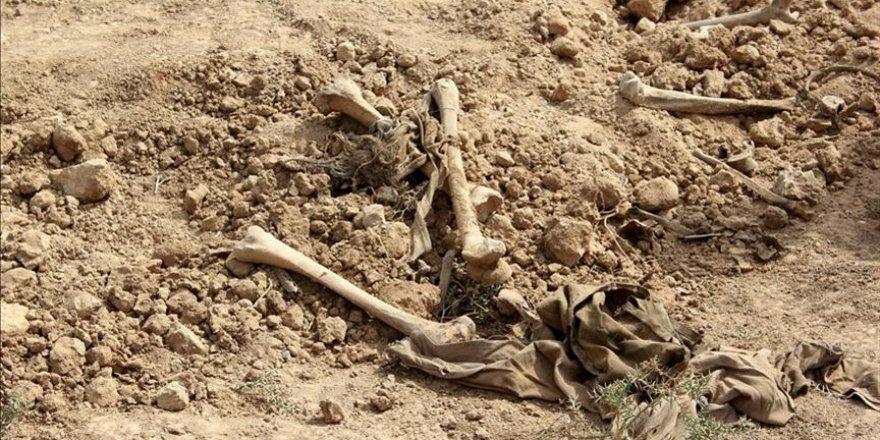 Kuşadası Kadı Kalesi kazılarında insan iskeletleri bulundu