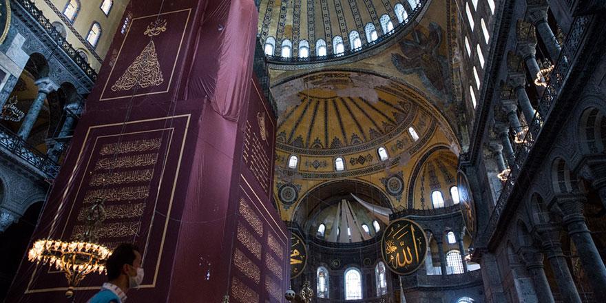 Ayasofya Camii'ndeki iskele sökülüyor