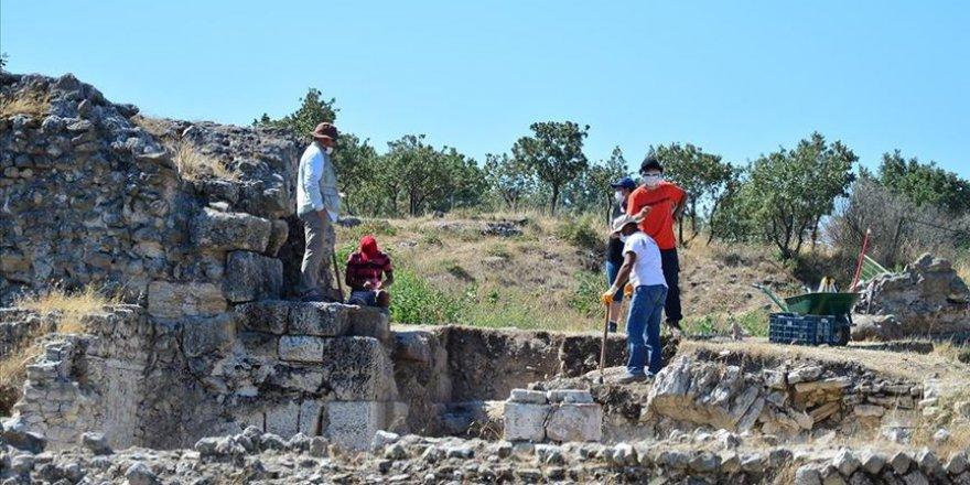 Alexandria Troas kazısında uzmanlar toprak altının röntgenini çekiyor